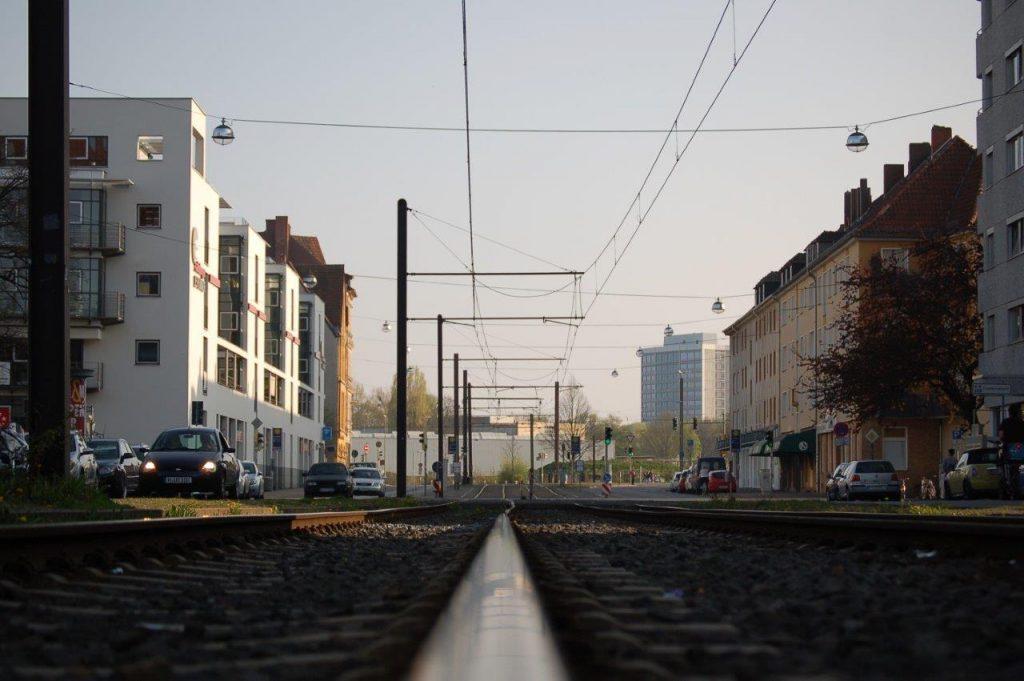 Straßenbahngleis in Hannover by Johann Beinsen